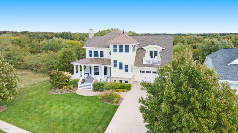 South Haven home with Lake Michigan access
