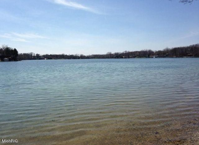 Pine Lake lot for sale